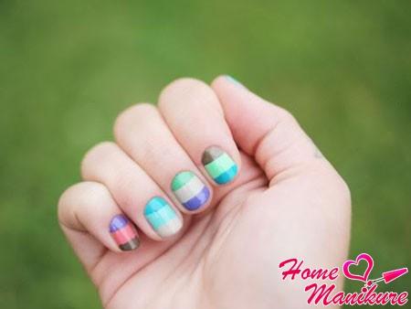 весенне-летний дизайн на круглых ногтях