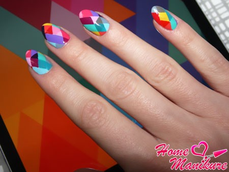 яркий разноцветный маникюр на лето 2014