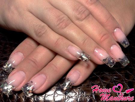 элегантный аквариум на нарощенных ногтях