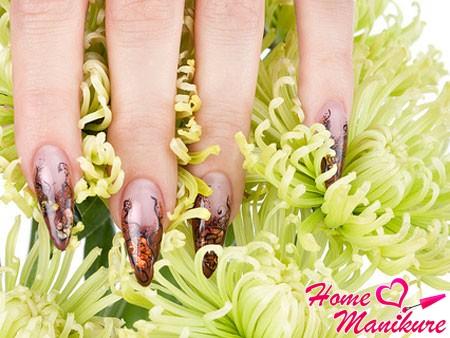 гелевые миндалевидные ногти с рисунками
