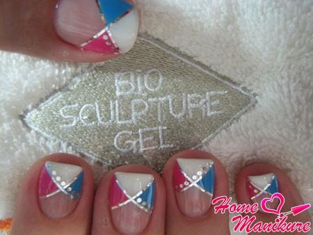 геометрический дизайн ногтей с применением биогеля