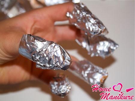 Как снимаются нарощенные ногти?