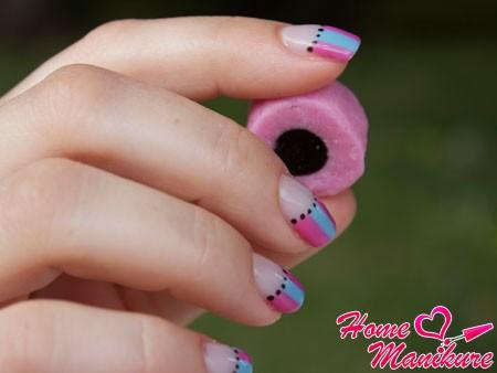 красивый дизайн нарощенных биогелем ногтей