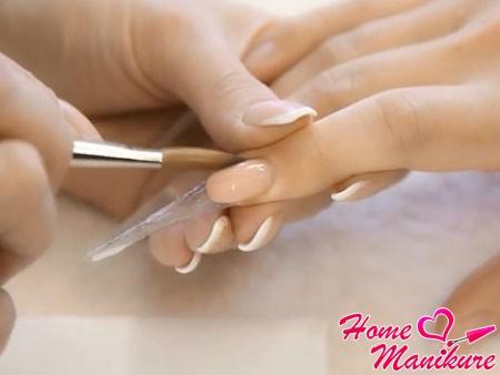 моделирование ногтевого ложа акрилом