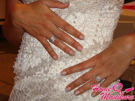 нарощенные биогелем ногти невесты