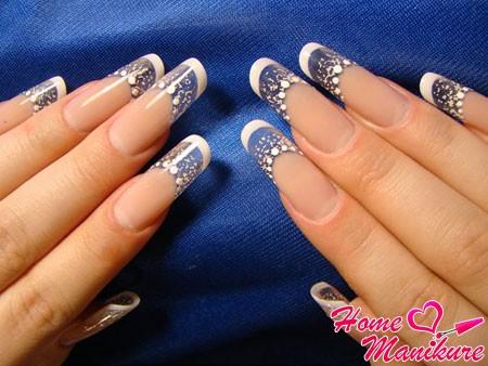 популярная форма нарощенных ногтей пайп