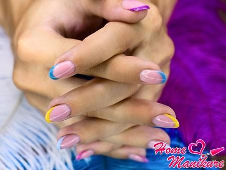 разноцветные готовые типсы для ногтей