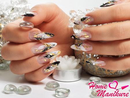 роскошный дизайн ногтей с рисунками и слюдой