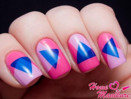стильные геометрические рисунки на ногтях
