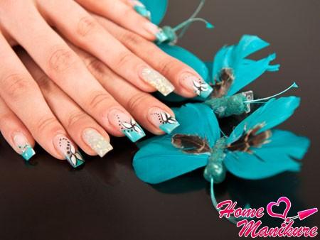 стильный дизайн нарощенных ногтей с рисунками