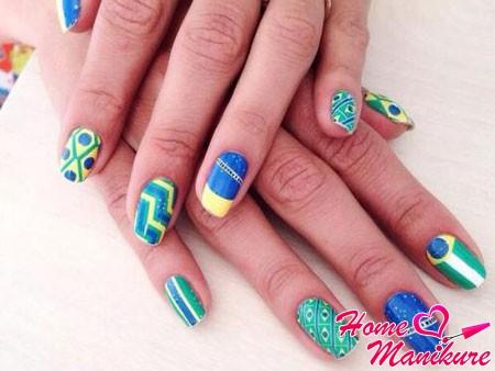 дизайн ногтей в бразильском стиле