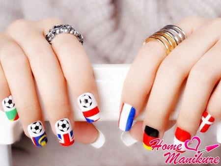 наклейки на ногтях с футбольной тематикой