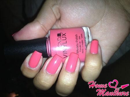 насыщенный розовый цвет лака Винилюкс
