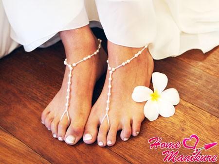 аккуратные ножки невесты