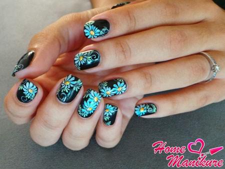 цветочная роспись ногтей в стиле жостово
