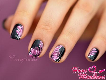 элегантная и стильная жостовская роспись ногтей