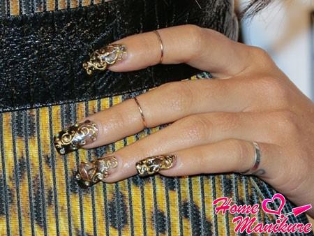изысканный дизайн квадратных нарощенных ногтей