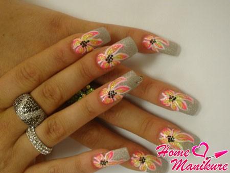 квадратные акриловые ногти с цветами