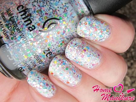 модный лак для ногтей от China Glaze