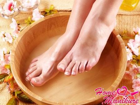 мокрый педикюр с ванночкой