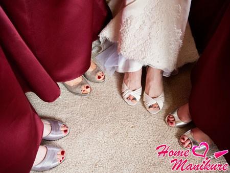 педикюр невесты и подружек на свадьбу