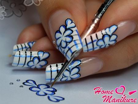 Искусство росписи ногтей в домашних условиях