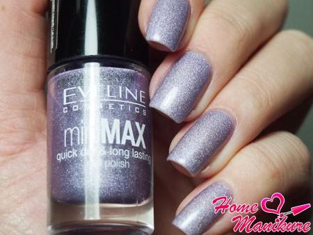 серебристый дизайн ногтей лаком от Eveline