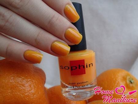 сочный летний оттенок лака Sophin