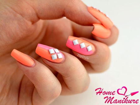 стильная форма мягкого квадрата на ногтях