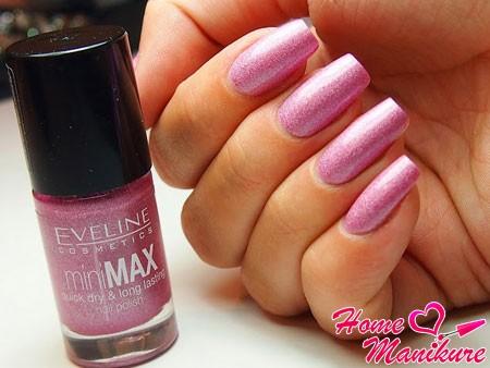 стильный лак для ногтей Эвелин