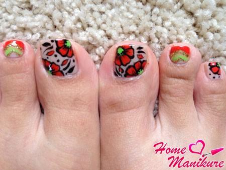 цветочные рисунки на ногтях на ногах