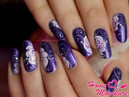 цветы на ногтях техникой китайской росписи