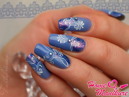филигранное рисование на ногтях