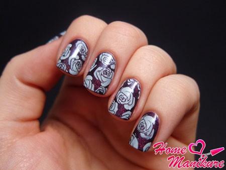 натуральные ногти с цветочным дизайном