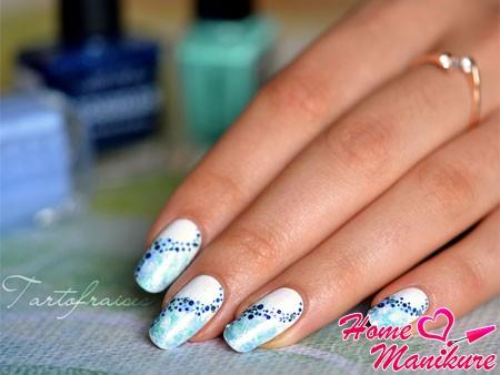 свежий дизайн ногтей в морском стиле