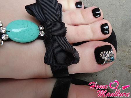 великолепный дизайн на большом пальце ноги