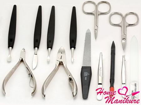 Правильный уход за маникюрными инструментами
