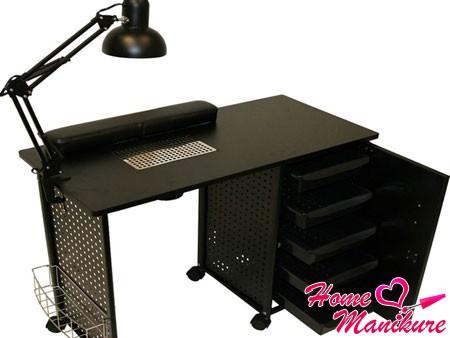 черный маникюрный стол с вытяжкой