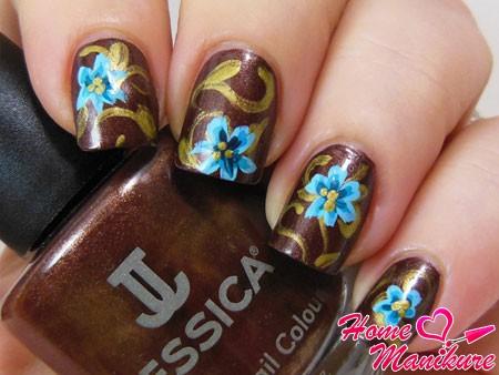 цветочные рисунки в осеннем дизайне ногтей