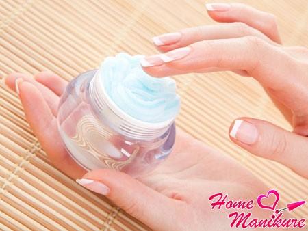 крем против шелушения кожи на руках