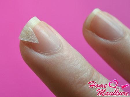 ремонт треснувшего ногтя