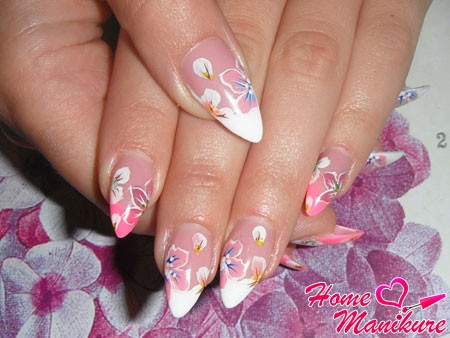элегантные рисунки на нарощенных ногтях