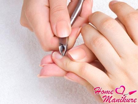 Что делать с заусенцами на пальцах?