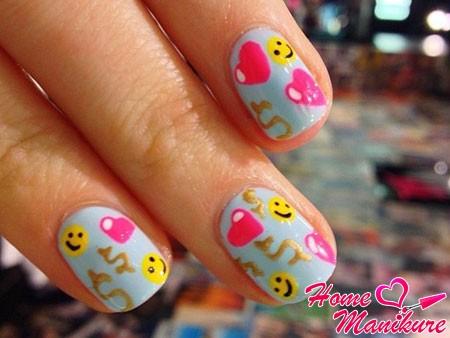 дизайн ногтей со смайлами