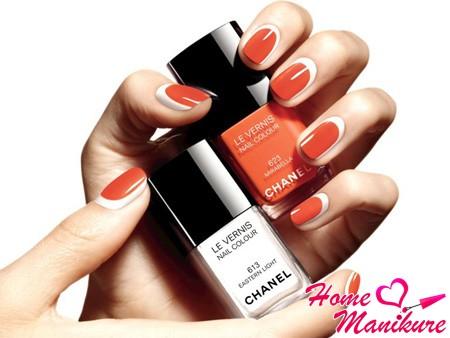 красно-белый дизайн ногтей