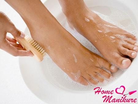 ванночки для размягчения грубой кожи стоп