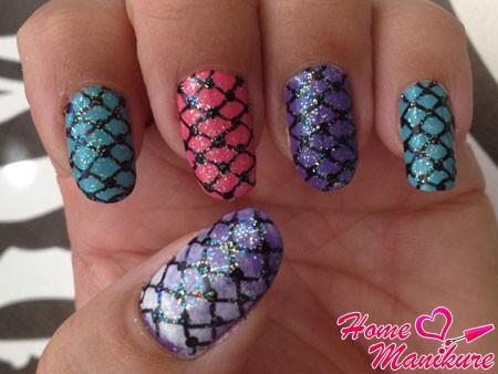 дизайн колготок на разноцветных ногтях