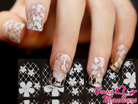 наклейки с имитацией вуали на ногтях
