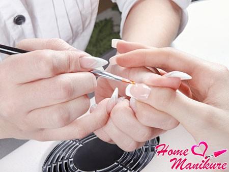 Как самостоятельно освоить искусство наращивания ногтей?