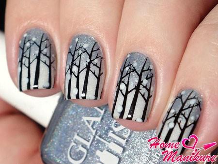 заснеженные деревья на ногтях